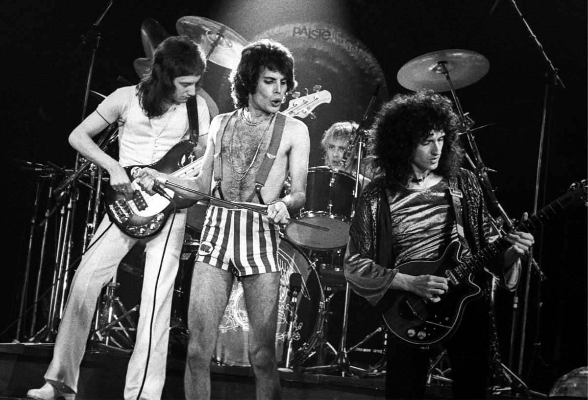 This Is Queen S First Show At The Ahoy Where Queen Would